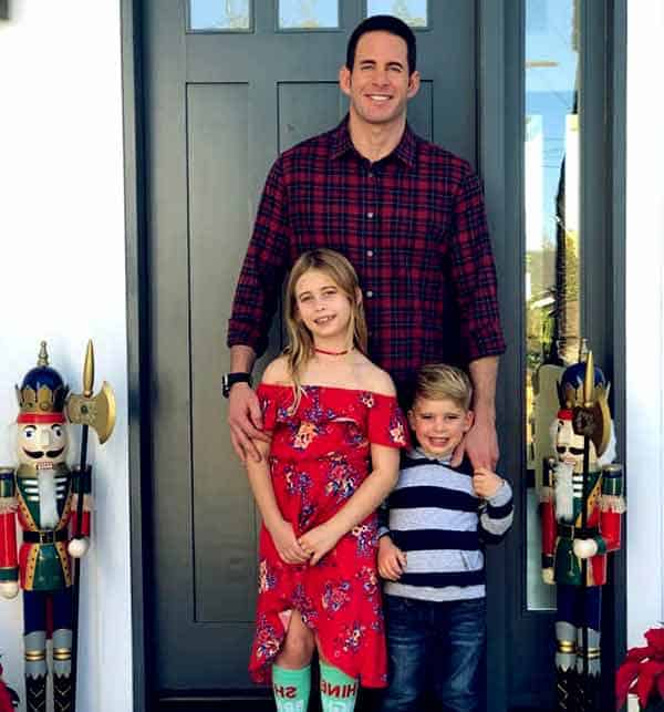 Image of Christina El Moussa ex husband Tarek El Moussa with their kids