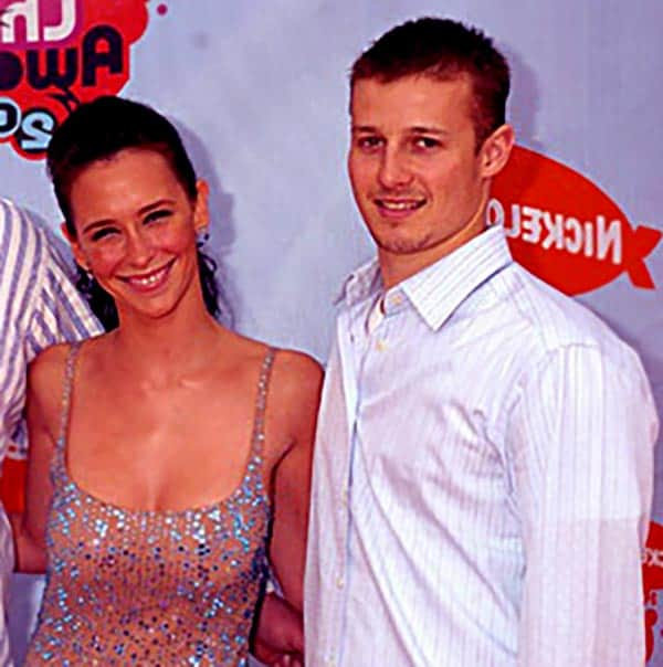Image of Will Estes with his ex girlfriend Jennifer Love Hewitt