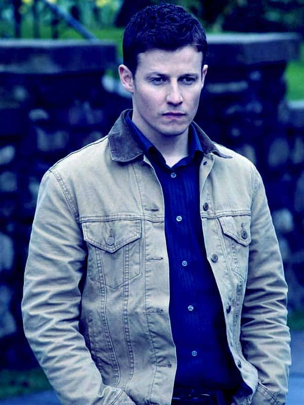 Image of Will Estes height is 5 feet 9 inches
