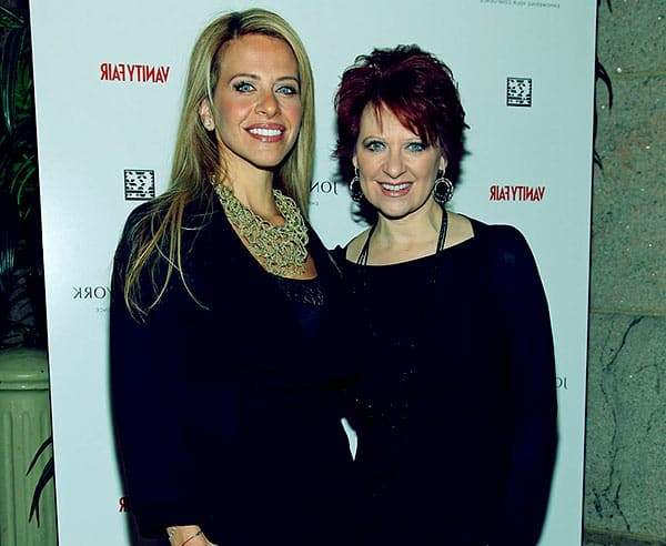 Image of Caroline Manzo with her sister Dina Manzo