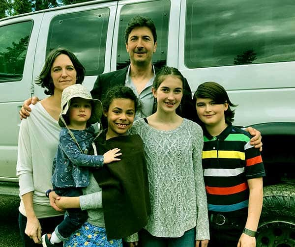 Image of Glenn Villeneuve with his wife Trisha Kazan and with their kids