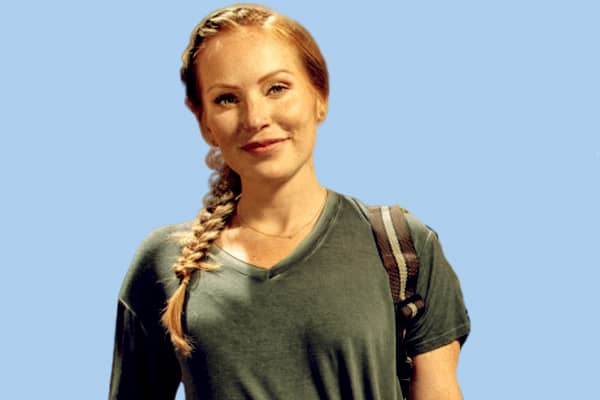 Image of TV Personality, Mina Starsiak net worth is $1.4 million