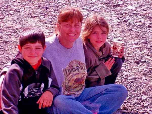 Image of Sue Aikens with her grandchildren