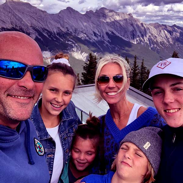 Image of Bryan Baeumler with his wife Sarah and with their kids Quintyn Werner Baeumler and Charlotte Anne Baeumler (daughter) and Lincoln Wolfgang Baeumler and Josephine Judith Baeumler (son)