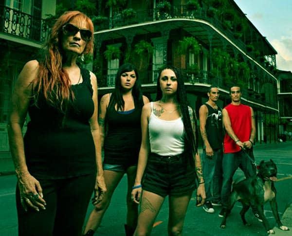 Image of Tia Torres with her kids