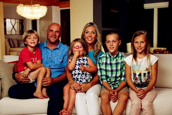 Image of Sarah Baeumler with her husband Bryan Baeumler along with their kids