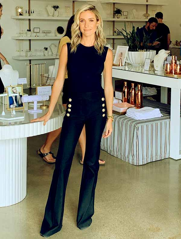 Image of Caption: American TV personality, Kristin Cavallari height is 5 feet 3 inches