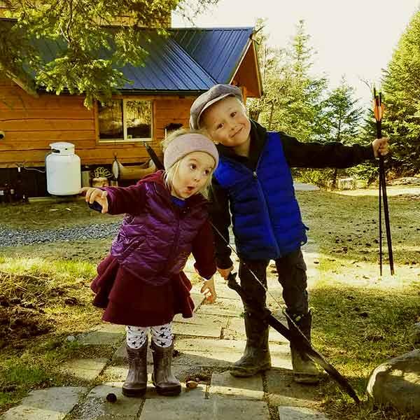 Image of Caption: Eivin and Eve kilcher kids Findlay Farenorth Kilcher (son) and Sparrow Rose Kilcher (daughter)