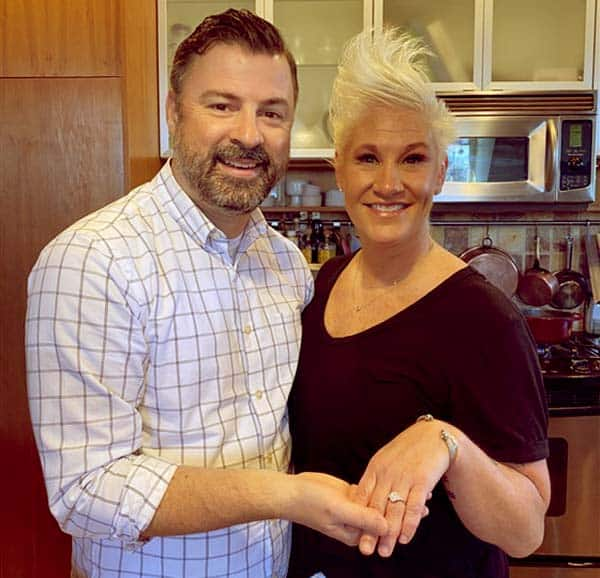 Image of Anne Burrell engaged with Stuart Claxton