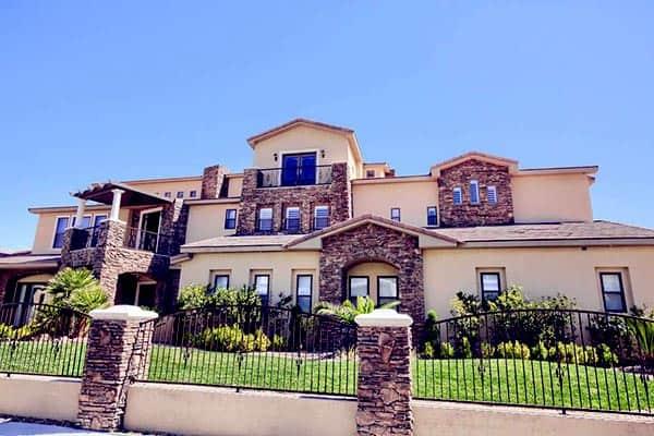 Image of TV actor, Brett Raymer house