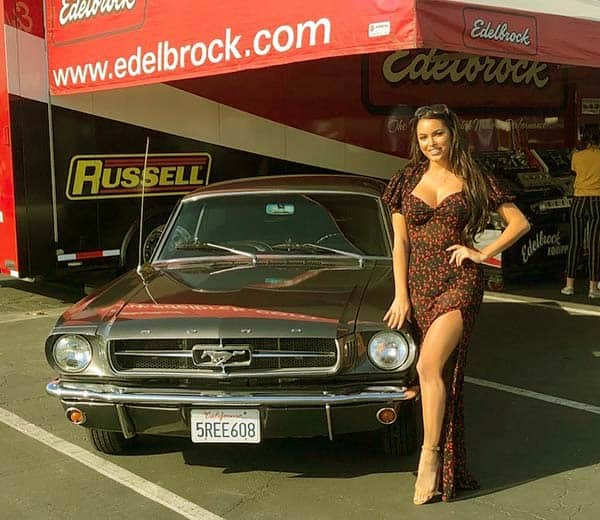Image of Constance Nunes modeling with car