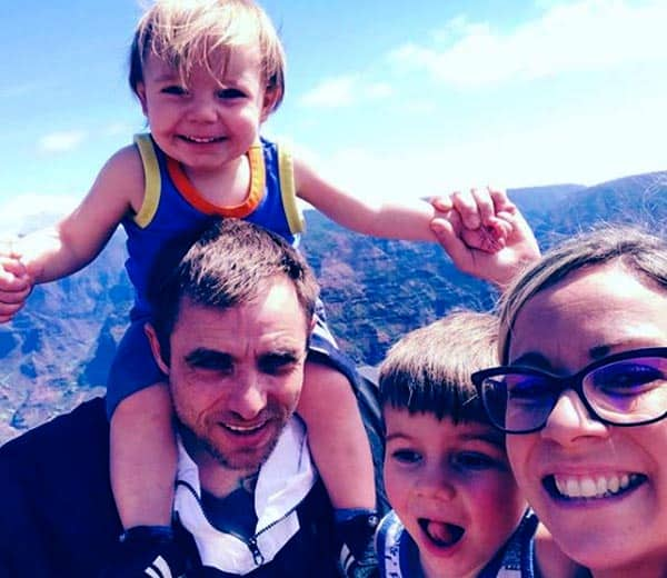 Image of Jake Anderson with his wife Jenna Anderson along with their kids