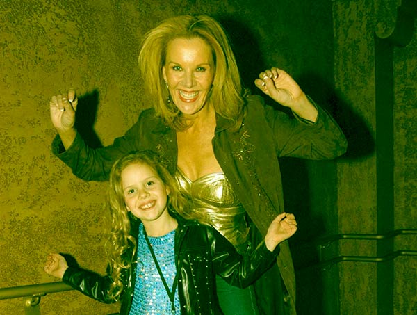 Image of Rhonda Burchmore with her daughter Lexie Jeuniewic