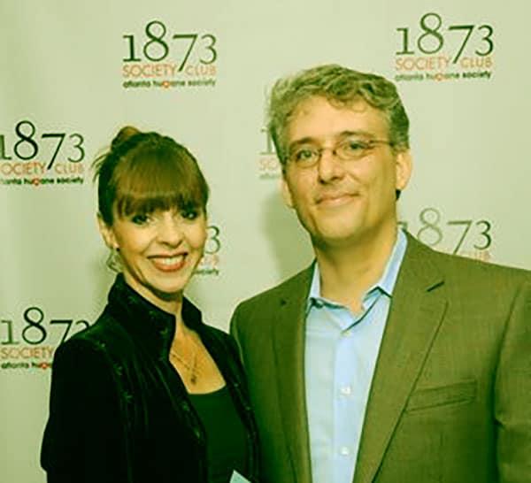 Image of Victoria Stilwell with her husband Van Zeiler