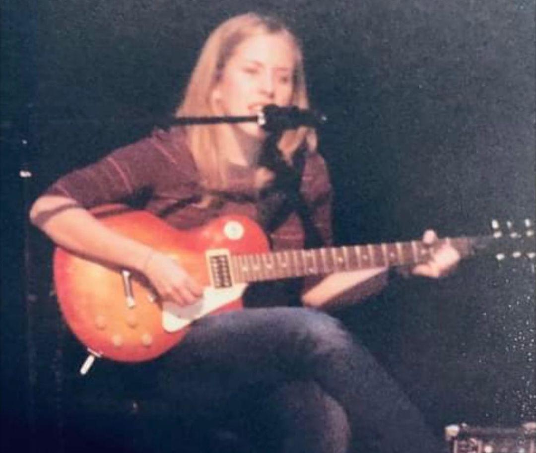 Erin Napier singing